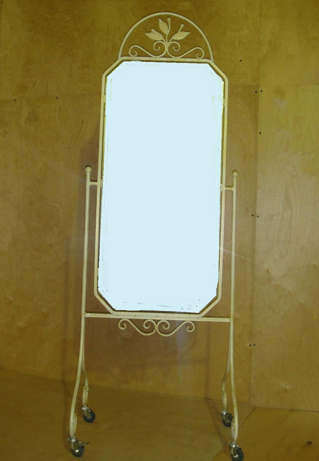 кованое зеркало напольное